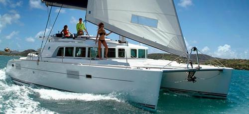 Proa del Alquiler de Catamarán Lagoon 440 en Italia