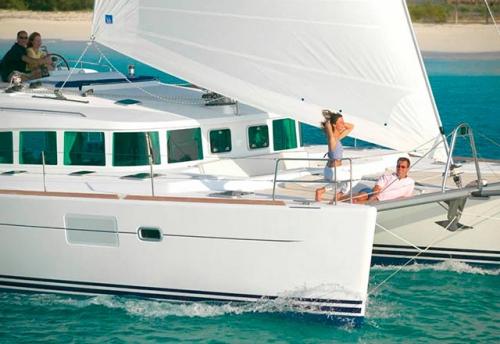Vacaciones en el Alquiler de Catamarán Lagoon 440 en Italia