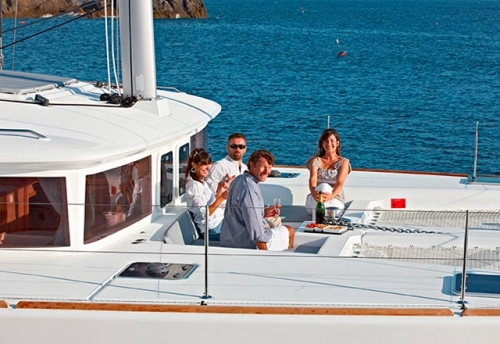 Bañera de Proa del Alquiler del Catamarán 450 en Grecia