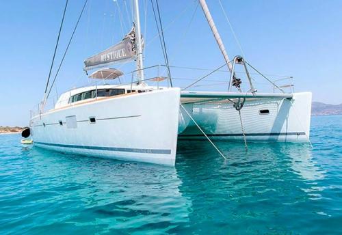 Proa del Alquiler de Catamarán Lagoon 500 en Italia