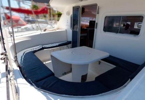 Bañera del Alquiler de Catamaran Nautitech 395 en Denia