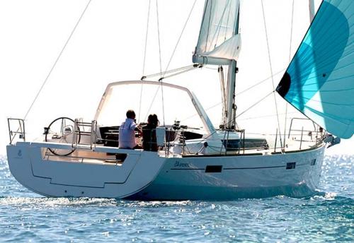 Empopada del Alquiler de Velero Oceanis 45 en Italia