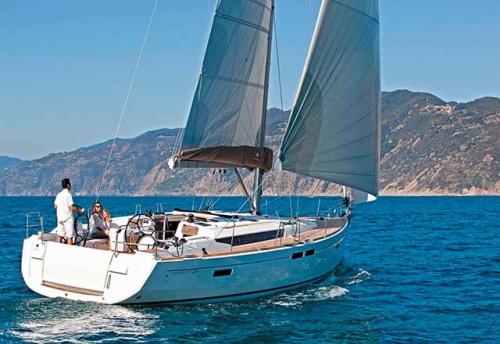 Navegando en el Alquiler de Velero SO 479 en Turquía