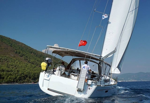 Popa del Alquiler de Velero SO 479 en Turquía