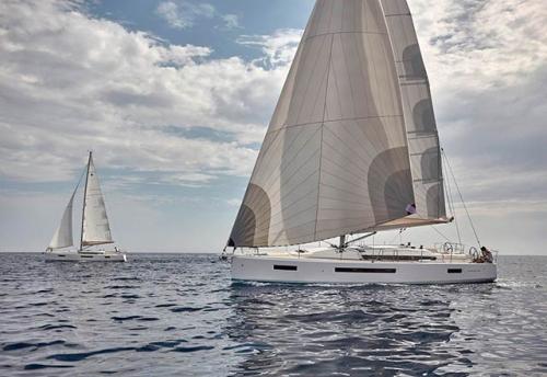 Flotilla del Alquiler de Velero SO 490 en Turquía