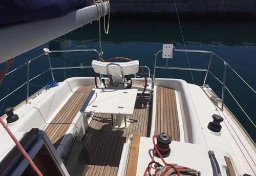 Bañera del Alquiler de Velero Sun Odyssey 32i en Ibiza