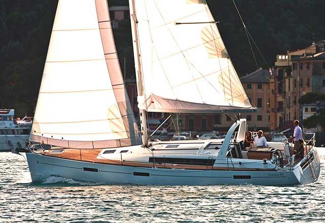 Alquiler de Velero Oceanis 45 en Italia