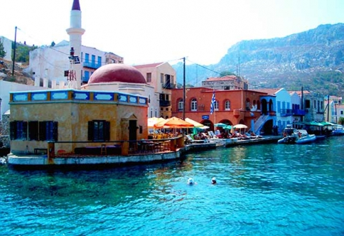 Puerto de Kastelhorizon en Navegar en Turquía