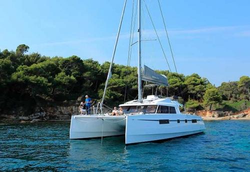 Verano en el Alquiler de Catamarán Nautitech 46F en Grecia