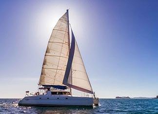 Alquiler de Barco Catamaran en La Manga