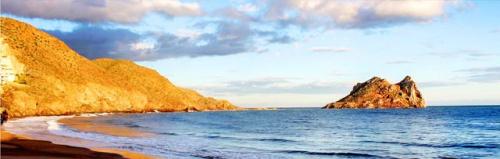 Navegar a Cabo Cope en un Viaje de Vacaciones en Velero a Murcia