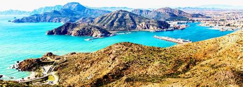 Navegar a Cartagena en un Viaje de Vacaciones en Velero a Murcia