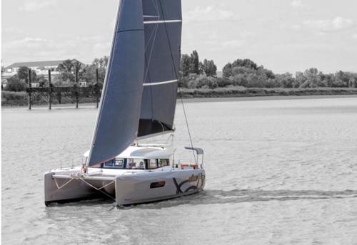 Vacaciones en el Alquiler de Catamarán Excess 12 en Denia
